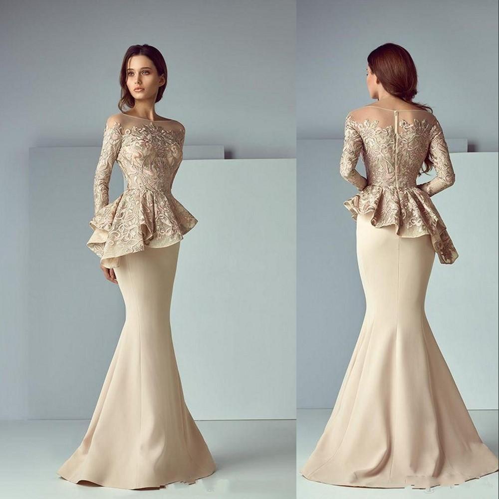 2021 Champagne Mãe da Noiva Vestidos Jewel Neck Mermaid Illusion Manga comprida Lace Appliques Peplum Wedding Convidado Vestidos Plus Size Mães Vestido