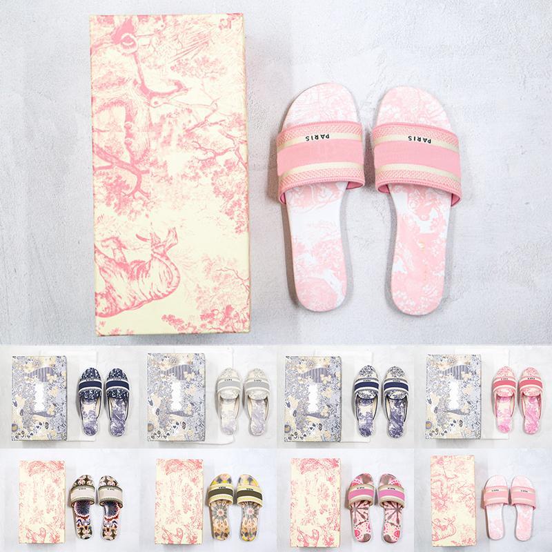 [Con caja] preferencial paris 2021 diseñador zapatillas planas cuero mujeres sandalias denim damas verano oblicuo bordado al aire libre playa arco iris con letras