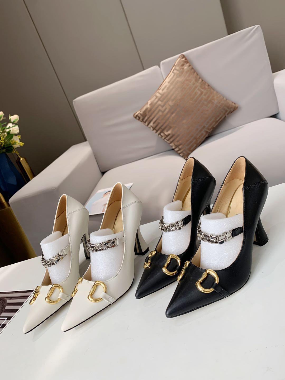 Tasarımcı kadın Yaz Ayakkabı Yüksek Topuklu Sivri Burun Bayanlar Sandalet Moda Zinciri Gelin Düğün Shoess