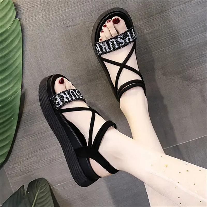 2021 Sommer Römische Sandalen Weibliche Fee Stil Französisch Net Rot Wild College Studenten Super Feuer Ins Flache Schuhe Schwarz