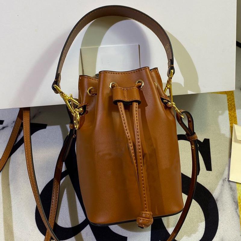 Haute Qualité Femmes Sac à main Porte-sacs Petit sac de godets Véritable Sac en cuir Véritable Décoration en métal Plaine F Lettre Sacs à bandoulière amovible