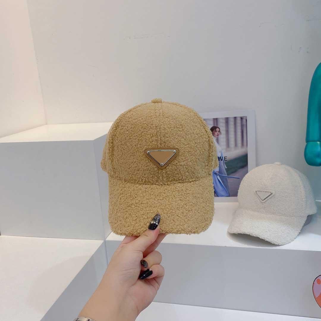 디자이너 모자 P 야구 모자 남성 여성 가을과 겨울 양고기 양모 유명한 모자와 편지