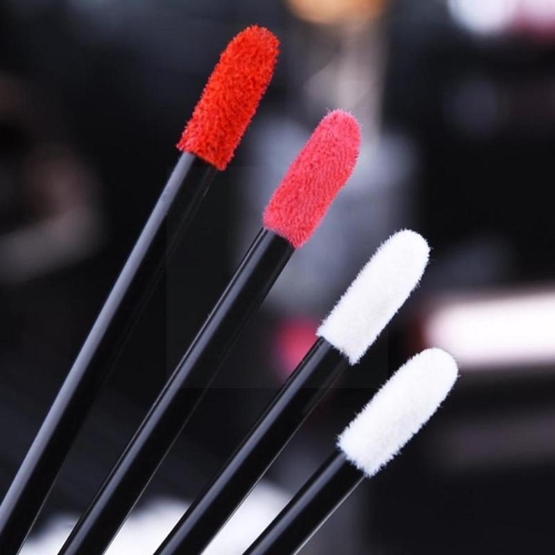 فرش ماكياج 600 قطع المتاح التجميل الشفاه فرشاة أحمر الشفاه أدوات لامعة الصولجانات قضيب القلم نظافة لمعان عينيه P0G4