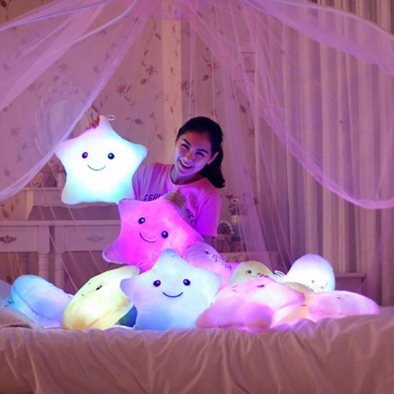 Poupées peluches Chaussures physiquesPlush jouet jouet lumineux oreiller romantique coloré cinq pointes de décoration