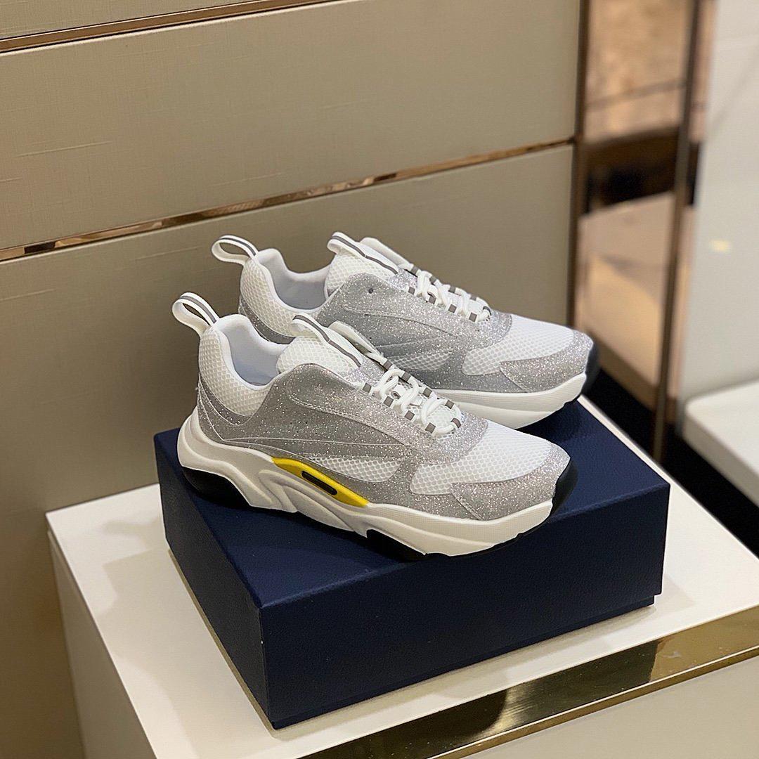 En Kaliteli Lüks Tasarımcı Ayakkabı Sneakers Çiftler Platformu için Hakiki Deri Eğitmenler Çok Güzel Kutusu ile Arttı
