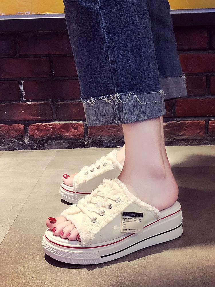 Zapatos de mujer 2021 Slippers Muffin Red Heeless Red Heeless Playa perezosa Moda Forme Use Sandalias de fondo gruesas para mujer