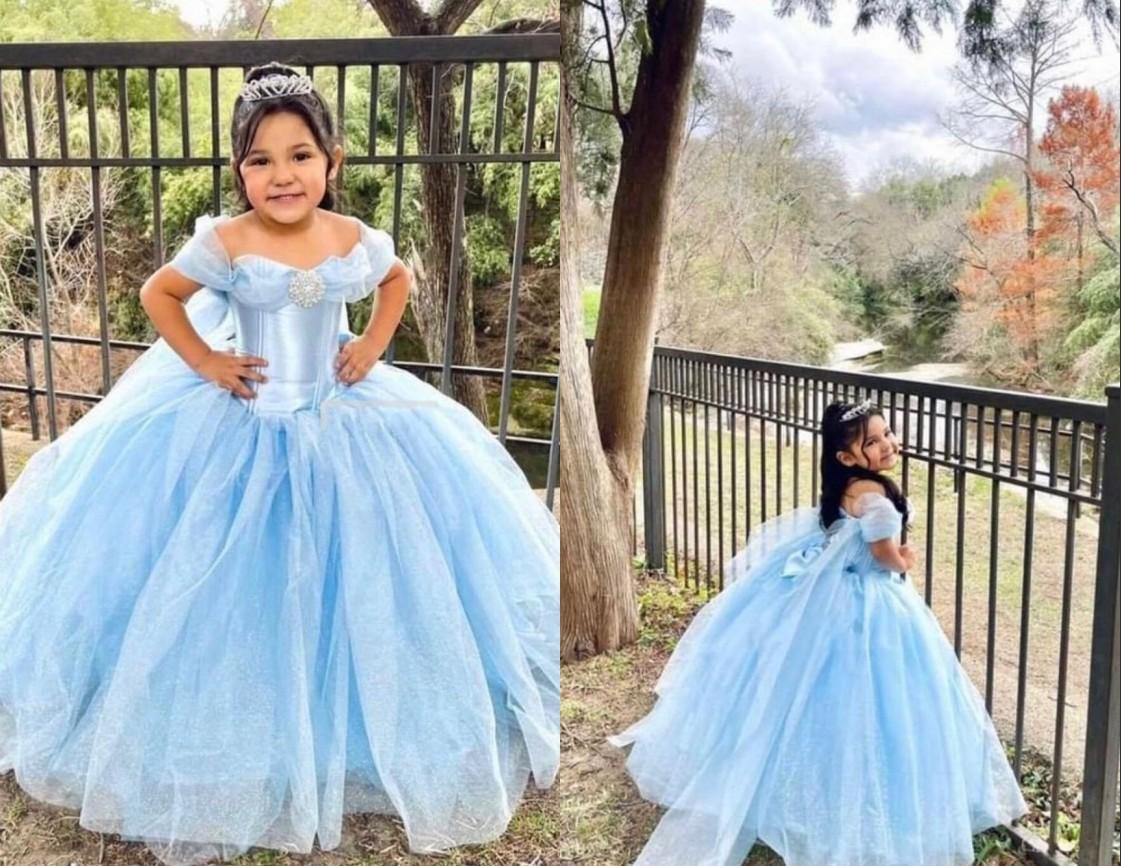 2021 Baby Blue Princess Cinderella Toddler Girls Pageant Dresses Off the shoulder with Sleeves Organza Infant Kids Infants First Communion Dress