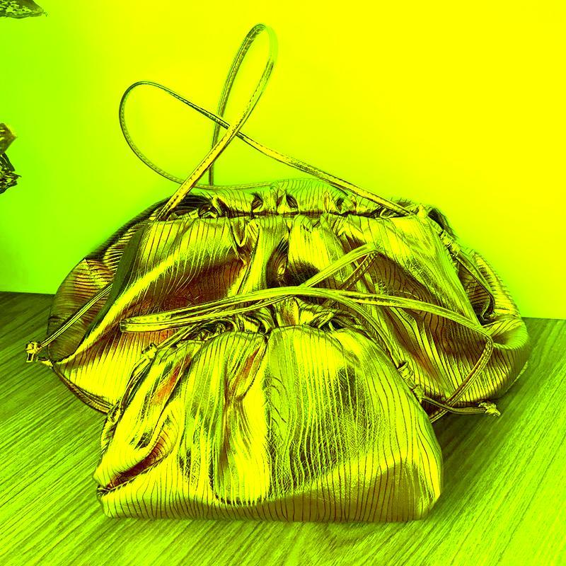 Moda Bolso de bola de mano Diseñador de bolsas de mujer Bolsa de bolsa de bolsas oro rayas de plata Embrague Hobos Crossbody Cloud Bags bolsos bolsos