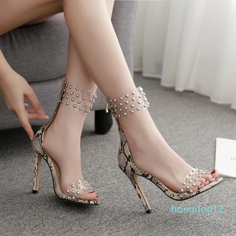 Moda donna scarpe 2021 Sandali con tacco alto in pelle di serpente Aprire la punta di lusso a spillo con tacco alto lussuoso ragazze chiuse comfort con borchie Nuovo
