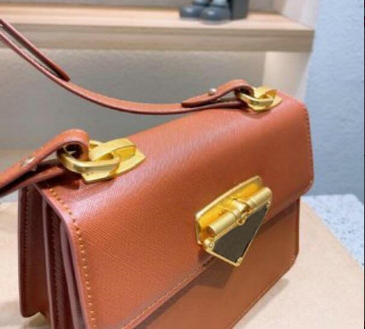 حقائب النساء الكتف مصمم حقيبة crossbody الأزياء مبطن القلب جلدية حقائب قطري أنثى مصمم محفظة حقيبة