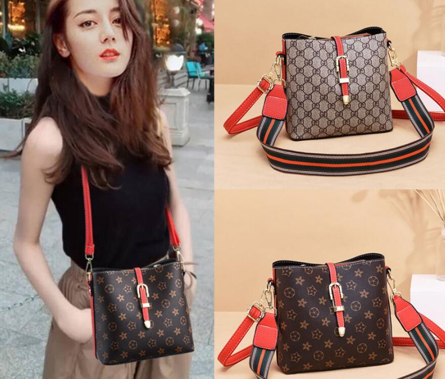 Women's Crossbody Bag Print Bucket handbag 2021 Retro Fashion