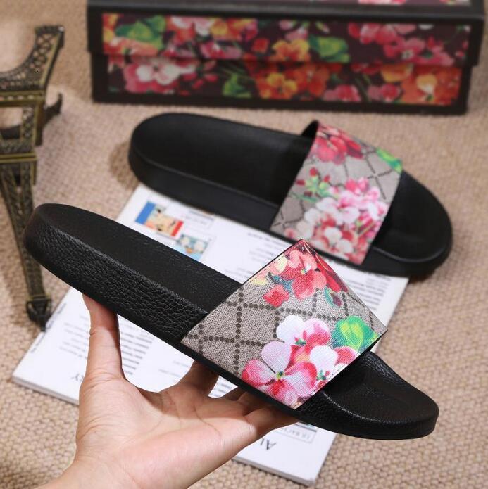 2021 Sandali da donna da uomo Designer con scatola di fiori Corretti Borsa da polvere Scarpe Snake Stampa Scorrimento Slip Summer Summer Slipper piatto