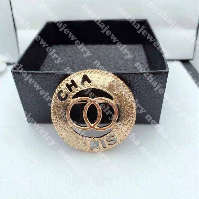 Mode Frauen Designer Brosche C Brief Designer Schmuck Diamant Broschen Pins Quaste Brosche Kleidung Dekoration Beste Qualität