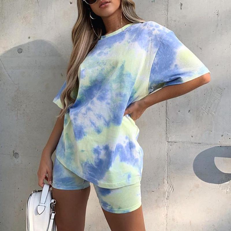 Kadınlar Kravat Boya Baskı Temel Tshirt Biker Şort İki Parçalı Set Rahat Kıyafetler Lounge Giyim Koşu Femme Tee Gömlek Yaz 2021 kadın Eşofman
