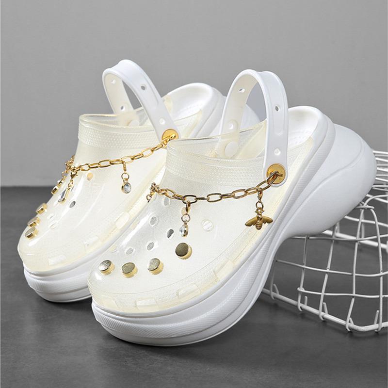 Chinelos Sandálias de Verão de Verão Buraco Buraco Anti-Skid Bottom Outside Outside Croc Aumentar sapatos para mulheres Sandalias LPXB