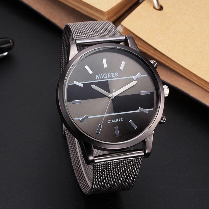 Armbanduhren Mode Mann Design Edelstahl Mesh Gürtel Analog Legierung Quarz Armbanduhr Rückgang Großhandel