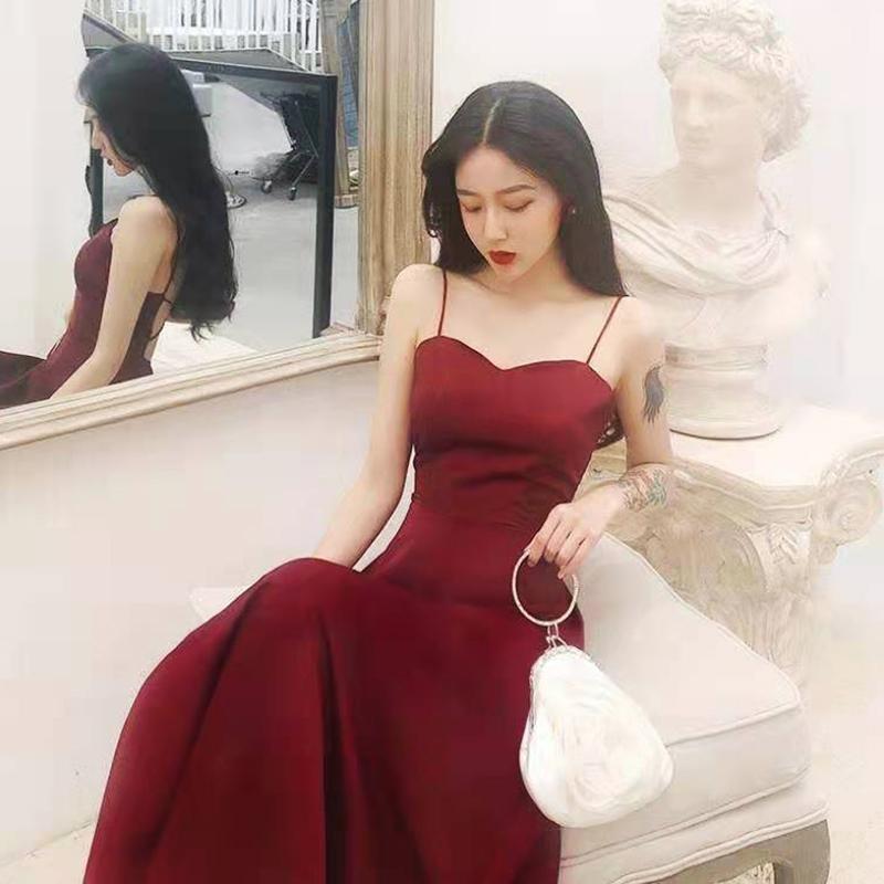 Robes décontractées tempérament manches manches français vacances robe rétro ouverte arrière-plan découpe sexy mode slim vin rouge noir