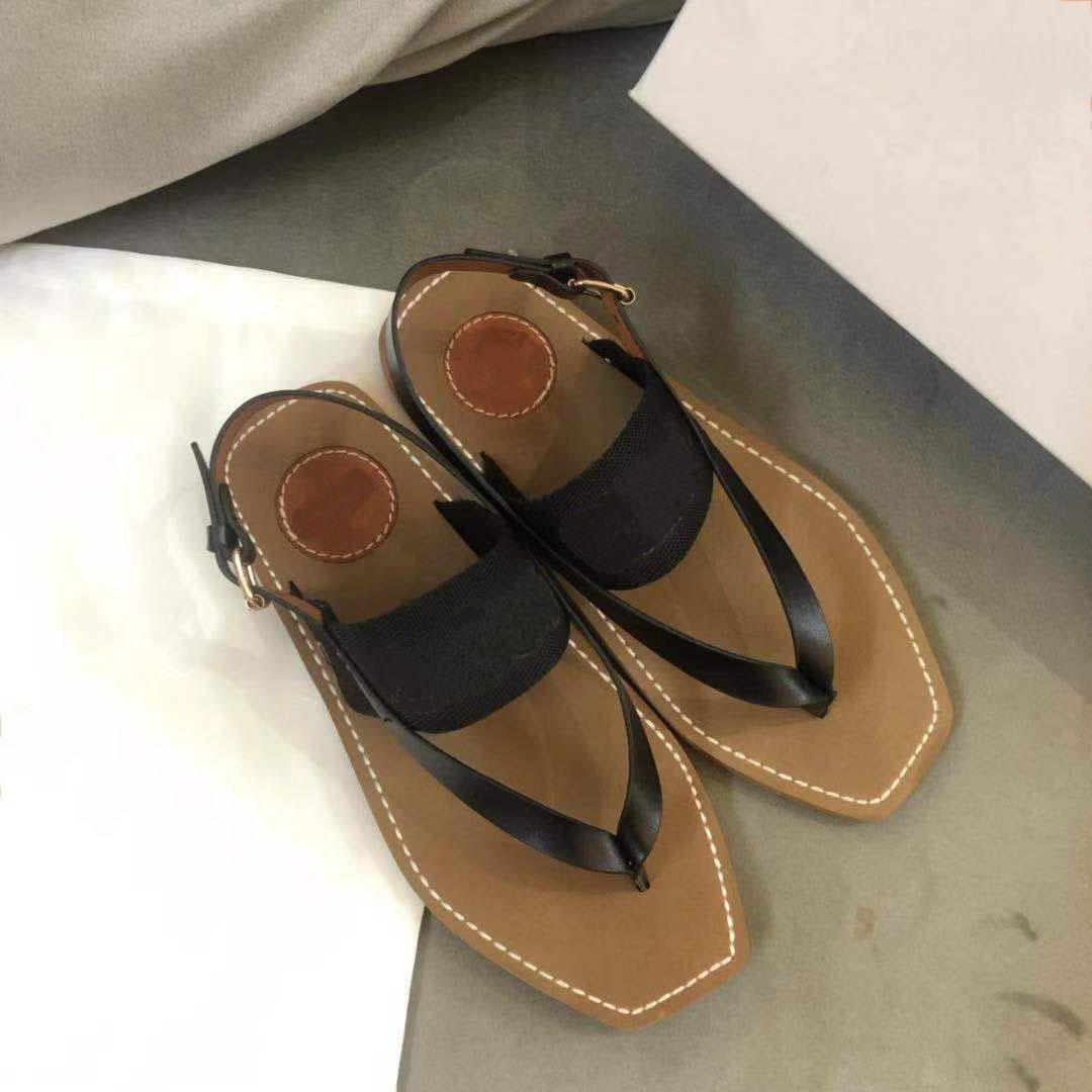 2021 C Designer Mulheres Beach Sandals Bordado Plataforma Sapatos Flip Flops Lofers Flats de Verão Sapatos Sapatos Sandálias Slipper
