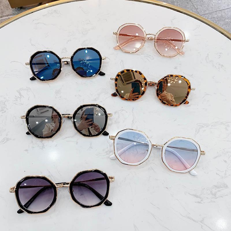 패션 키즈 썬 블록 레오파드 인쇄 불규칙한 어린이 선글라스 자외선 방지 어린이 안경 여행 장식 액세서리