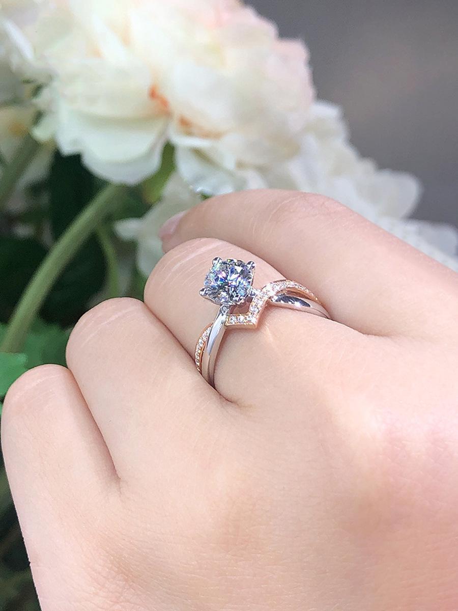 Chicas creativas netas rojas vgirlsshaped anillo de corona chapado con pt950 rosa oro separación de color imitación mosang qdh7