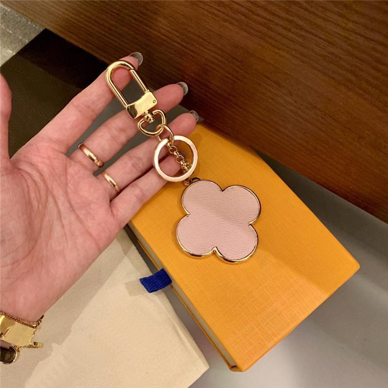 مصمم أربع أوراق سلاسل الحلي محظوظ البرسيم سيارة مفتاح سلسلة حلقات اكسسوارات الأزياء بو الجلود المفاتيح مشبك للرجال النساء شنقا الديكور مع مربع التجزئة YSK10
