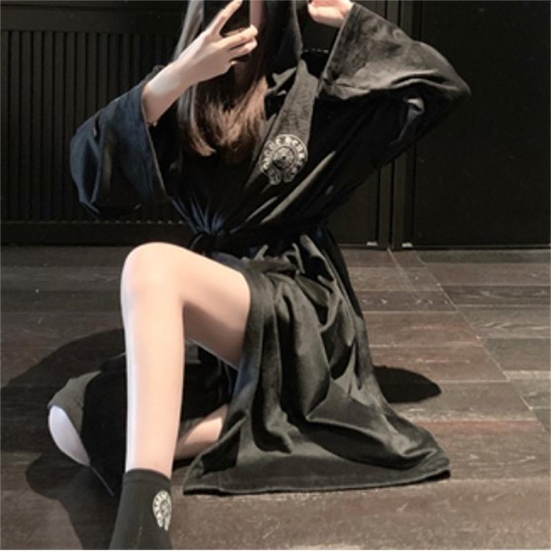 21SS CH H / GUARDTS / CHROMEFAN FAN Buongiorno Velvet in velluto a ferro di cavallo Stampa lunga pigiama camicia da notte Le donne possono indossare tre pezzi per il tempo libero indossare la crosin