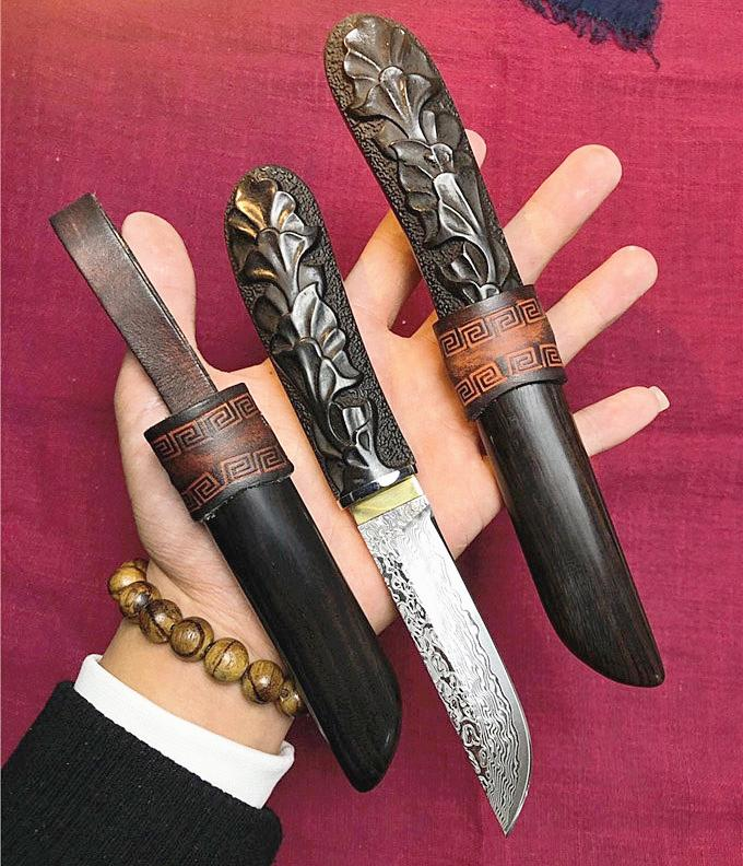 High End Damascus Straight Knife 83 Layers Damascuss Steel Drop Point Blade Ebony Handle Fixed Blades Knives With Wood Sheath