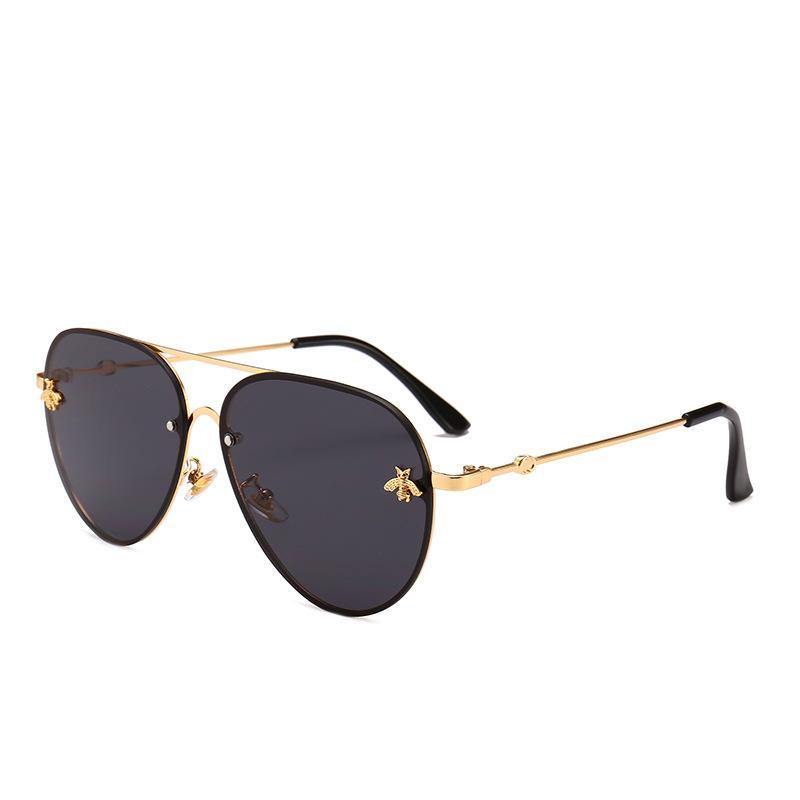 Diseñador de marca moda mujeres pequeñas abejas gafas de sol colorido remache gafas femenino masculino al aire libre itinerse gafas UV400