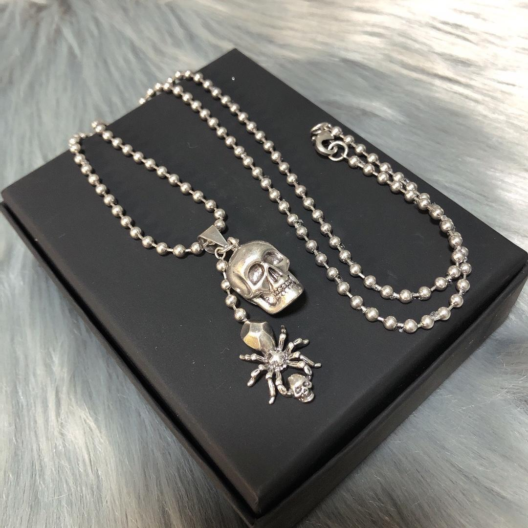2021 new high-end material skull spider necklace fashion punk style European and American trend long pendant necklace for men and women 2sty