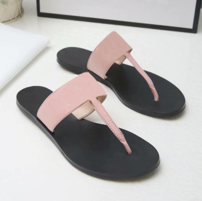 2021 Kadınlar Plaj Terlik Yaz Moda Çevirme Lady Sandalet Metal Mektup Unisex Ayakkabı Düz Bayanlar Terlik 35-41