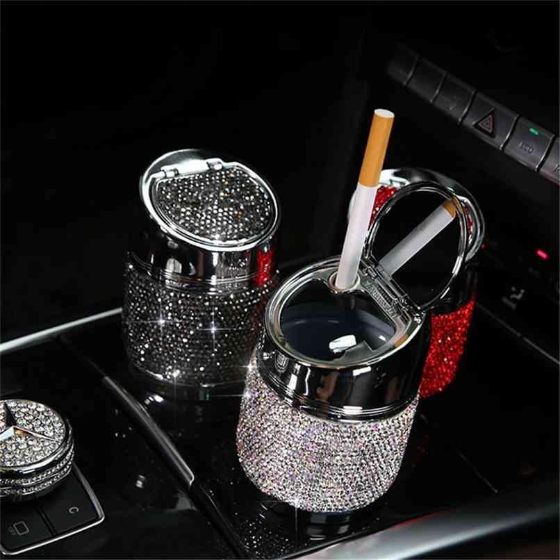 Cendrier de voiture de diamant pour fille Femmes 6.5cm Cendriers en cristal Auto Intérieur Accessoires Accessoires de cylindre universel 210628