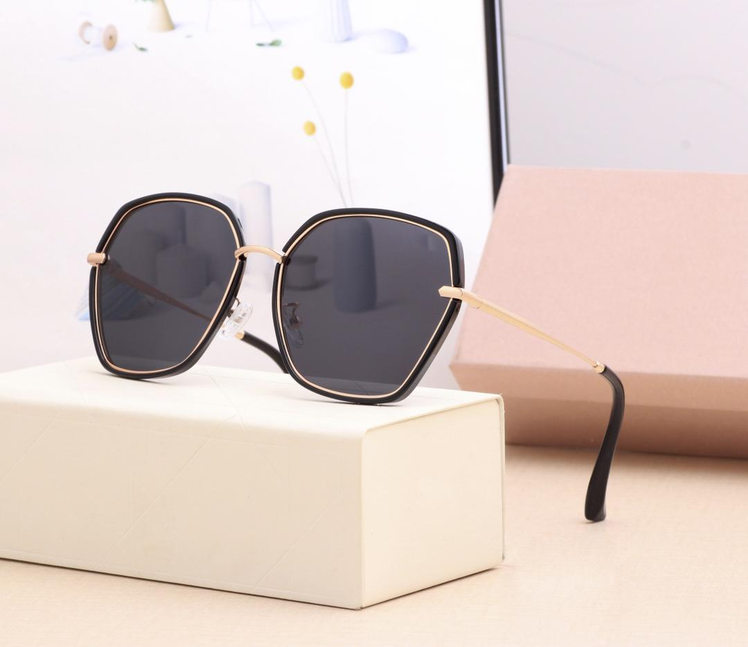 5 colors high quality designer women sunglasses for men high-definition polarized lenses are better to match with belts and hats