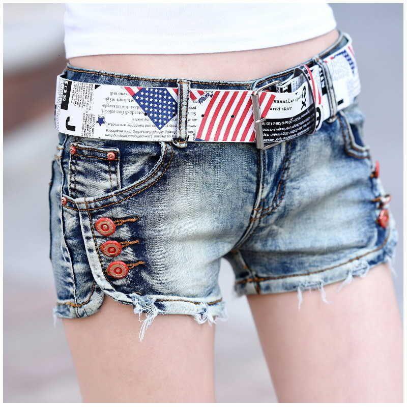 Damen Shorts Vintage Blaue Sommer Jeans Casual Streetwear Niedrige Taille Denim mit Gürtel-Button zerrissen Mini Femme HCU1