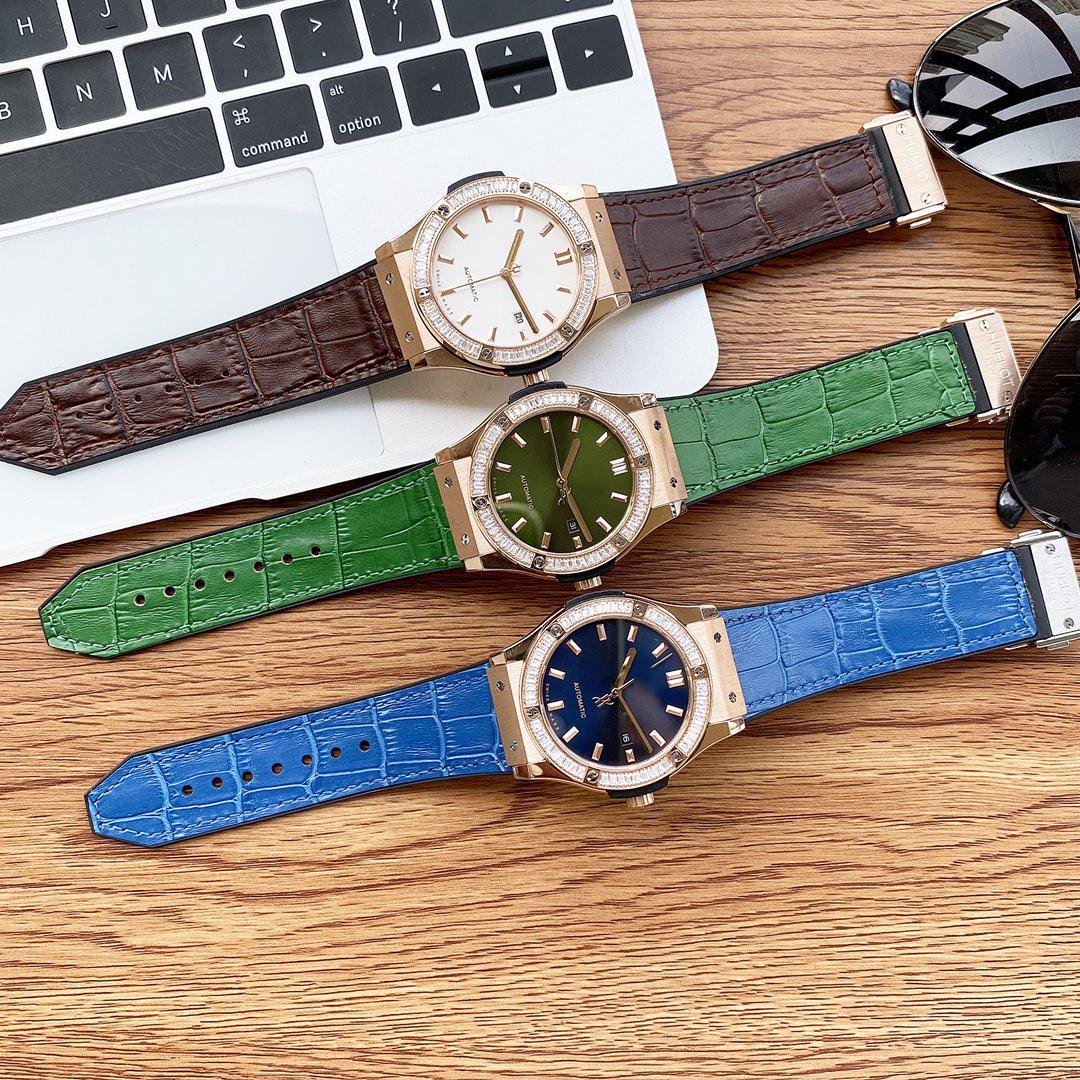 Montre-bracelet Mode Mécanique Mécanique 8215 Mouvement automatique Miroir haut de gamme Sapphire Miroir Top Dial Dial Diamètre 43mm A11