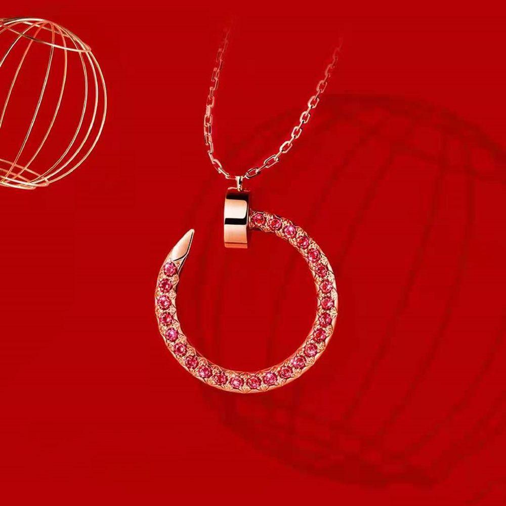 Simplicidad de moda Collar de estilo de uñas El conjunto de niña Joyería Diamante Un par de la pareja Joyería del diseñador de la joyería de calidad superior18-Karat Gold Hay muchos estilos para elegir
