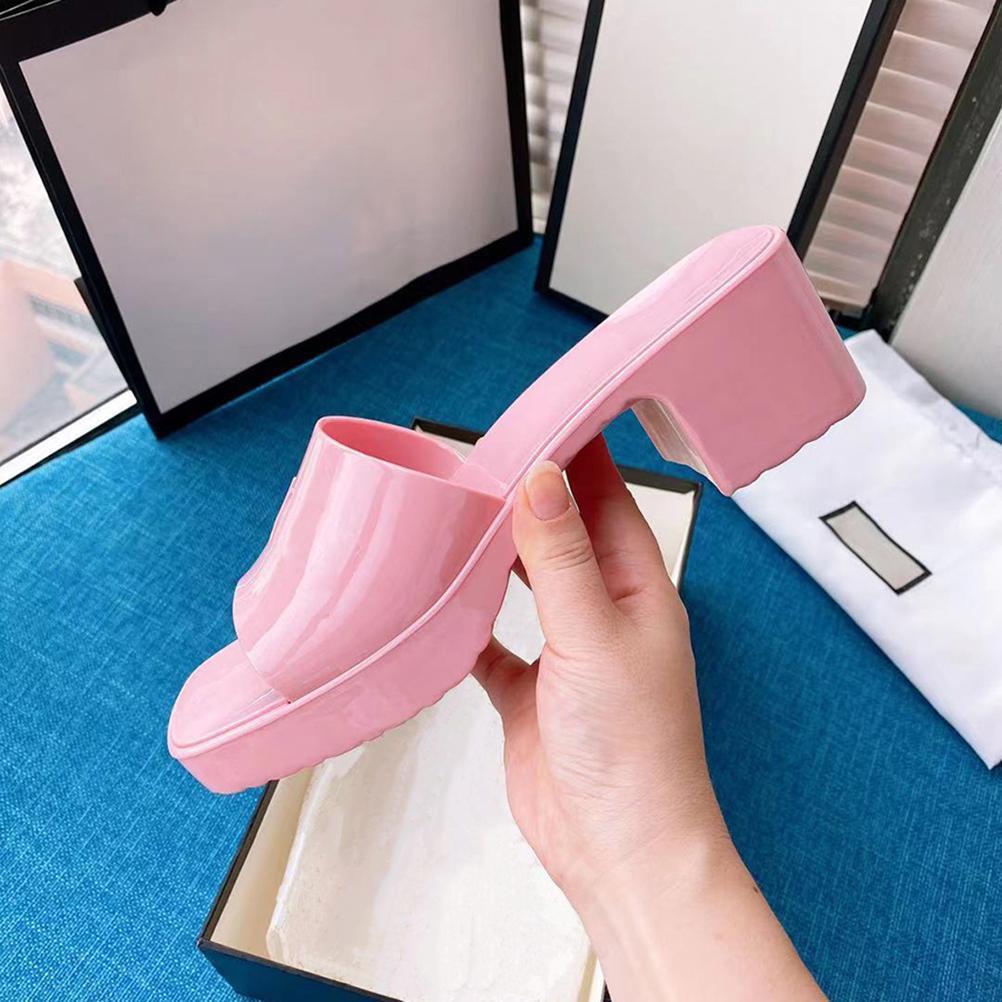 2021 Damen Hausschuhe Mode Sandalen Strand Dicke Unterseite Verkauf Gummi High Heels Slipper Größe 36-40