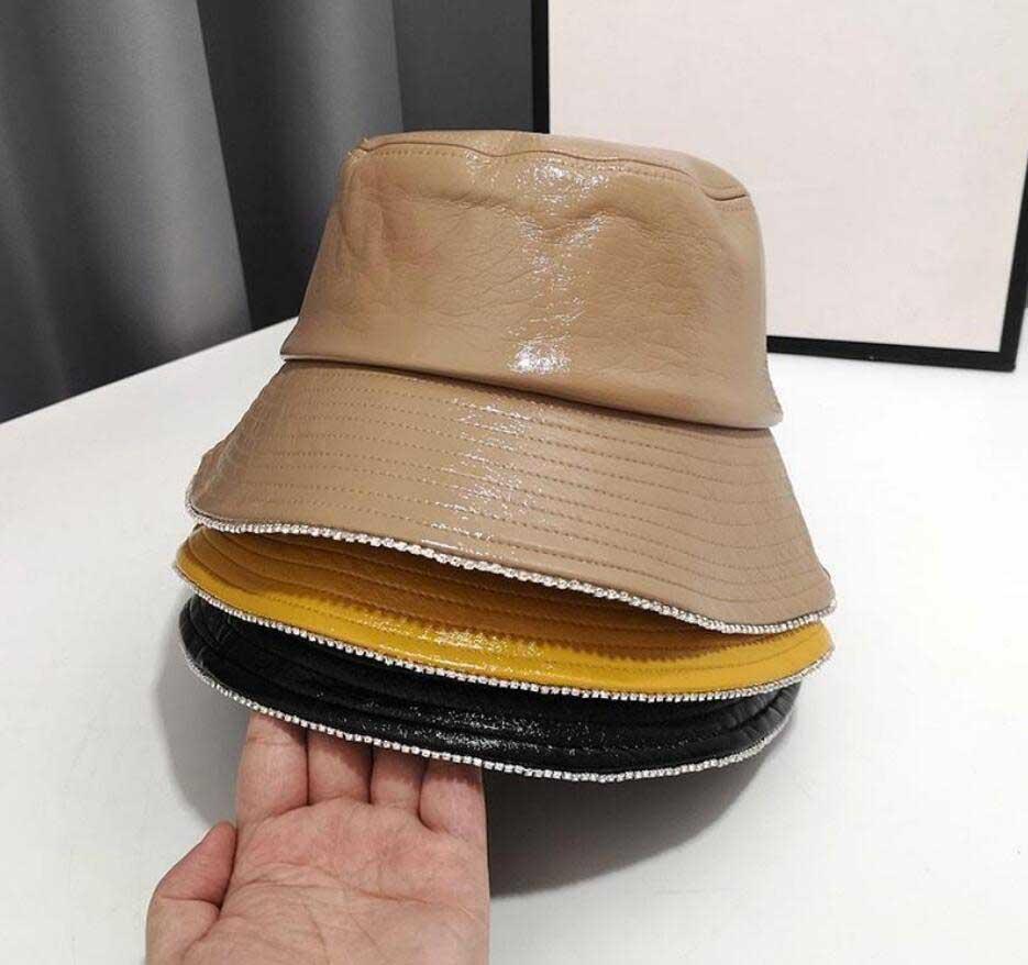 Luxurydesigner Hats Womens Winter Bucket Hat Outdoor Dress Hats Wide Fedora Sunscreen Cotton Woman Fishing Hunting Cap Men Basin Chapeau Sun Prevent Beanies