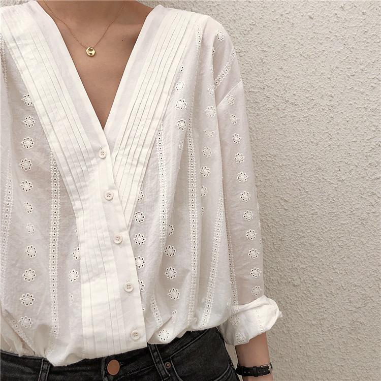 Dulce crochet hueco fuera de encaje bordado con cuello con cuello en V oblicua camisa elegante blusa femenina 2020