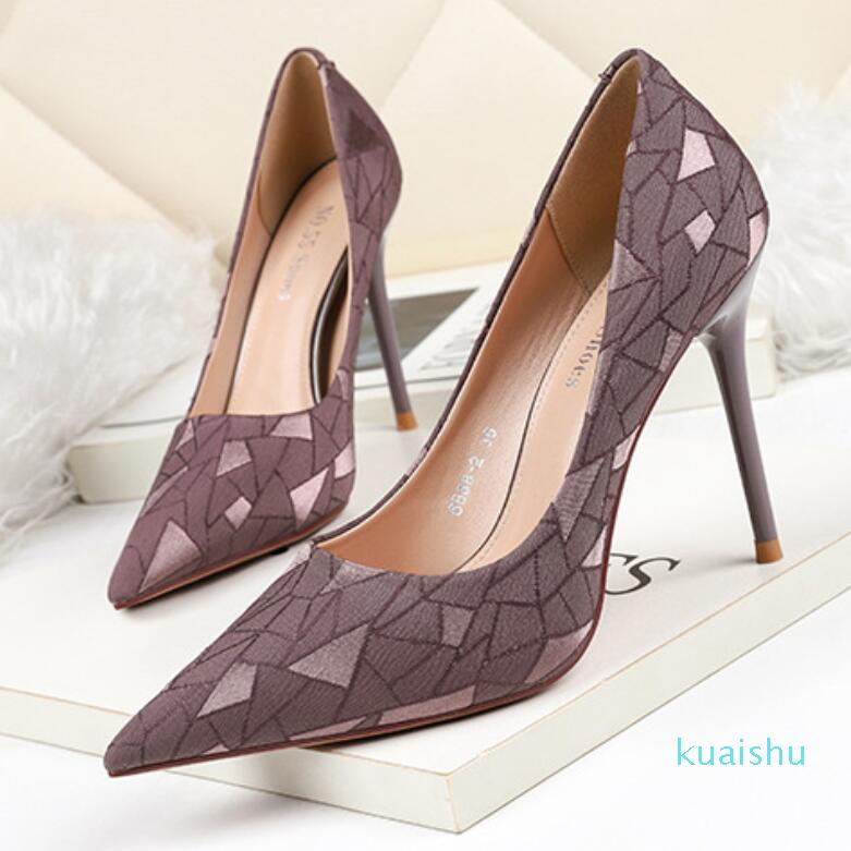 여성용 레드 바닥 하이힐이 뾰족한 발가락 Luxurys 디자이너 신발 정품 가죽 펌프 레이디 웨딩 샌들 10.5cm 플랫폼