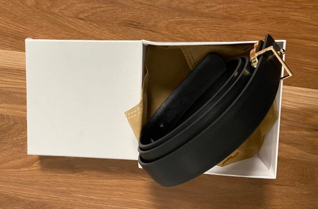 2021 أفضل مبيعا أحزمة أعلى جودة عالية المرأة حزام اللؤلؤ المعادن مشبك للرجال womens عرض 2.3 سنتيمتر مع مربع