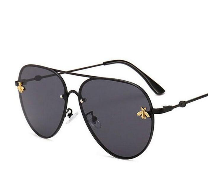 2021 브랜드 디자인 선글라스 여성 남성 Branddesigner 좋은 품질 패션 금속 오버 사이즈 랜드 빈티지 여성 남성 UV400입니다.