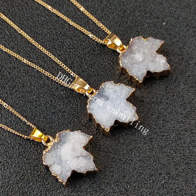 Cuarzo natural Cristal Rock Rock Piedra preciose hoja colgantes Protección de chapado en oro Lucky White Druzy Drusy Agate Geode Maple Hojas Hollow Love Heart Necklace