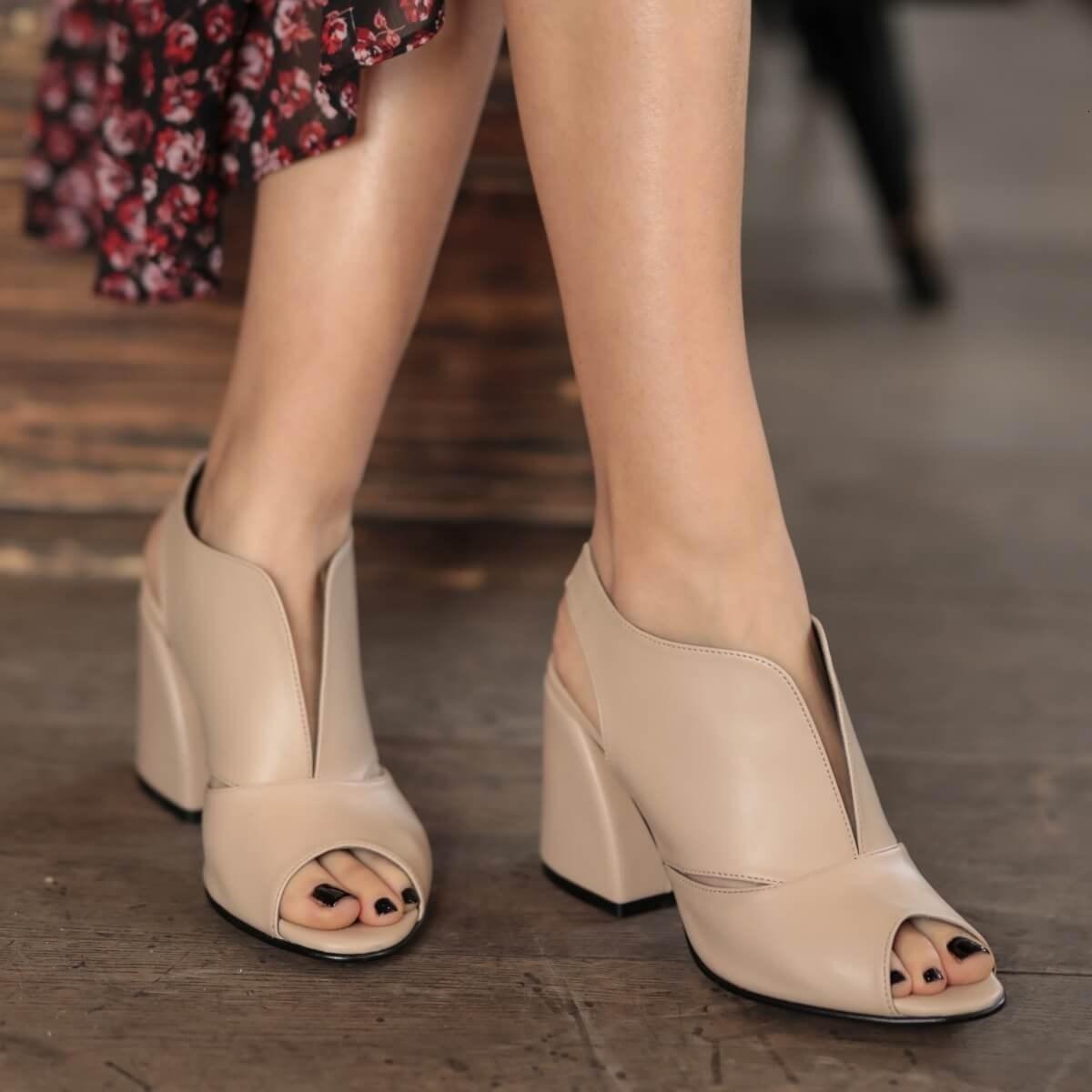 드레스 신발 미오 Gusto 브랜드 헤이즐, 피부 분말 / 블랙 컬러, 고품질 9cm 힐 높이, 여성 패션 펌프 RKOQ