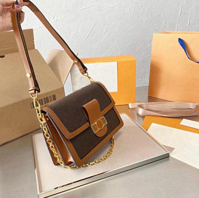 2021 Omuz Çantası Kadın Tasarımcı Çanta Tasarımcı Lüks Çanta Çantalar Omuz Çantası Bayan Tote Debriyaj Çanta Sikke Çanta