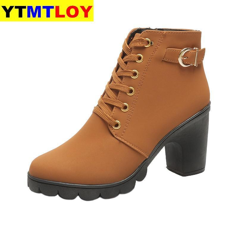 أعلى جودة أحذية الكاحل للنساء جديد أنيقة كعب مربع أحذية امرأة عالية الصلبة خمر الدانتيل متابعة السيدات الشتاء منصة الأحذية عالية