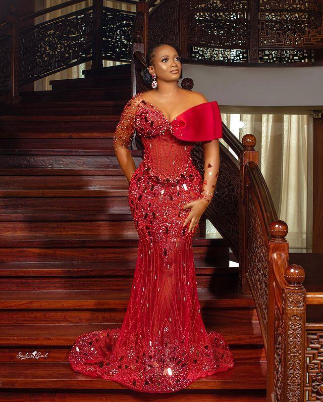2022 Plus Size Arabic Aso Ebi Red Luxurious Mermaid Prom Dresses Beaded Crystals Sheer Neck Evening Formal Party Second Reception Gowns