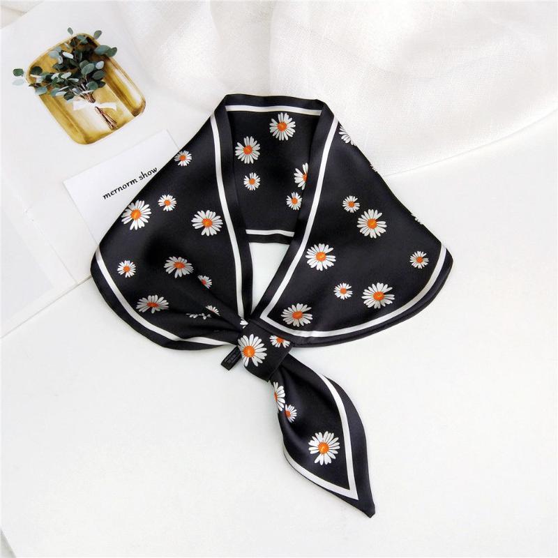 Scarves 2021 Summer Women's Fashion Daisy Floral Print Black Yellow Green Neckerchief Scarf Women Handbag Purse Scarfs Bandanas