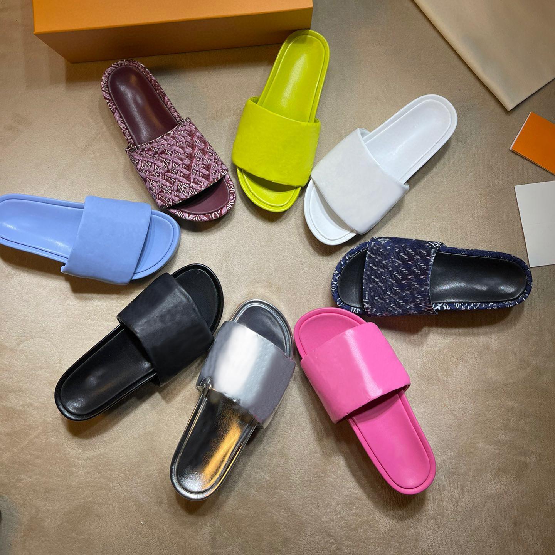 2021 Moda Sandalet Lüks Kadın Terlik Sandal Tasarımcı Bayan Ayakkabı Marka Kadın Ayakkabı Düz Terlik