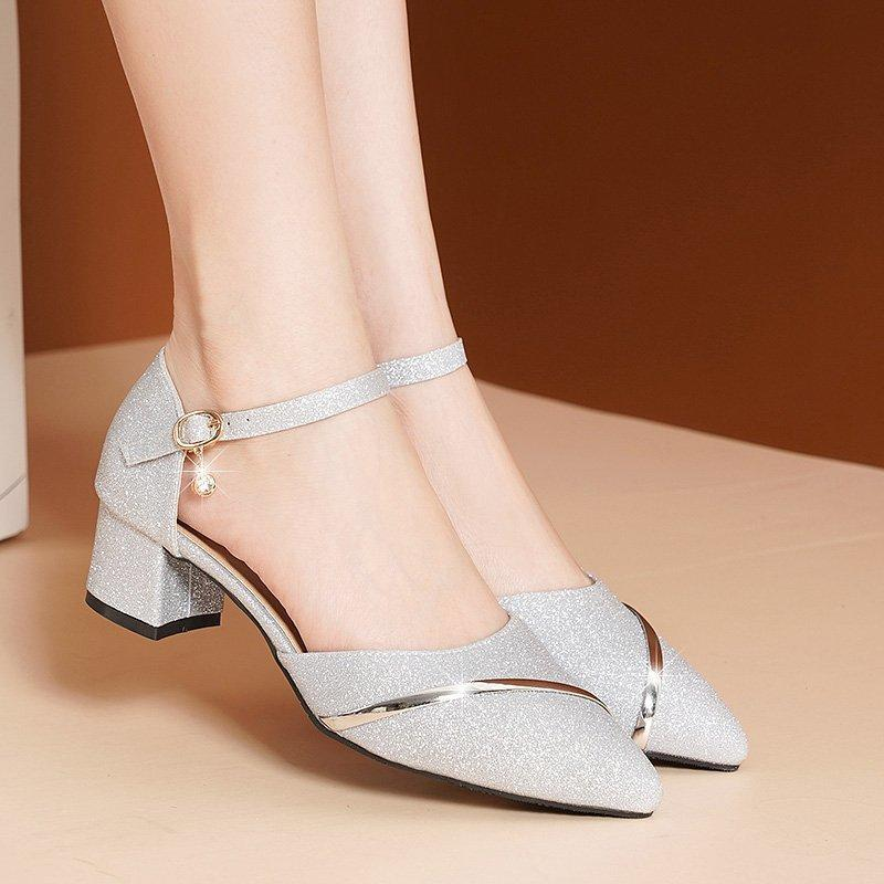 Kadın Yaz Sandalet Kadın Elbise Gümüş Düğün Ayakkabı Bayanlar Bling Sivri Burun Kare Topuklu Platformu Altın Sandalias Mujer Ayakkabı