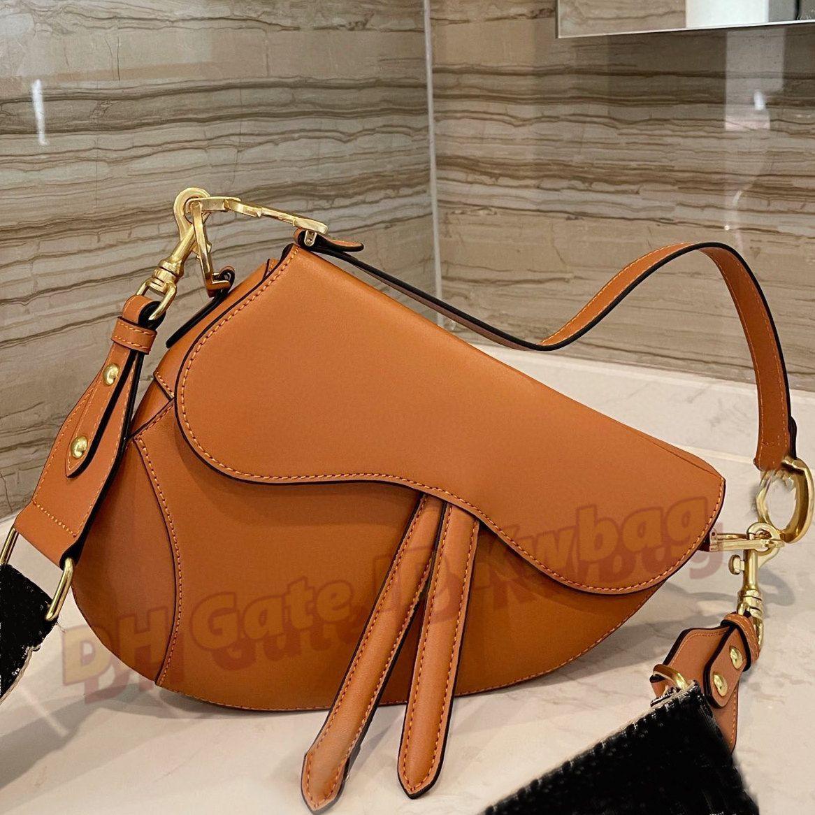 2021 INS 여성 클래식 패션 안장 가방 최고 품질 핸드백 숙녀 고급 크로스 키 바디 핸드백 Luxurys 디자이너 가방 지갑 토트 멀티 컬러 지갑